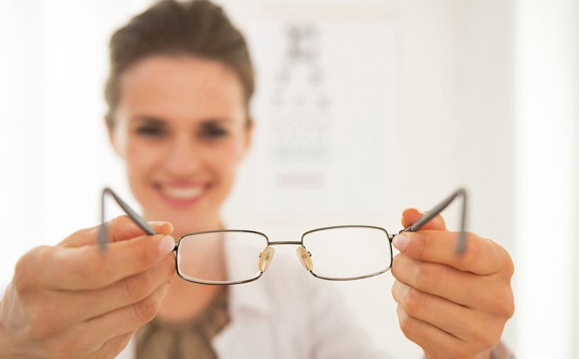 儿童近视眼如何配眼镜?