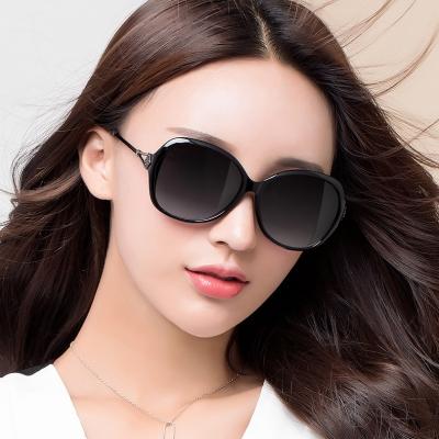 OULE 新款女士优雅太阳镜 防紫外线偏光镜驾驶开车墨镜 茶色